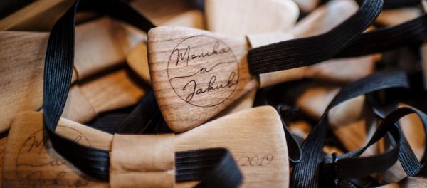 Dřevěná svatba - dřevěný motýlek