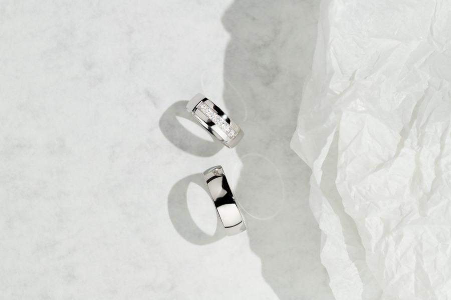 jednoduché snubní prsteny