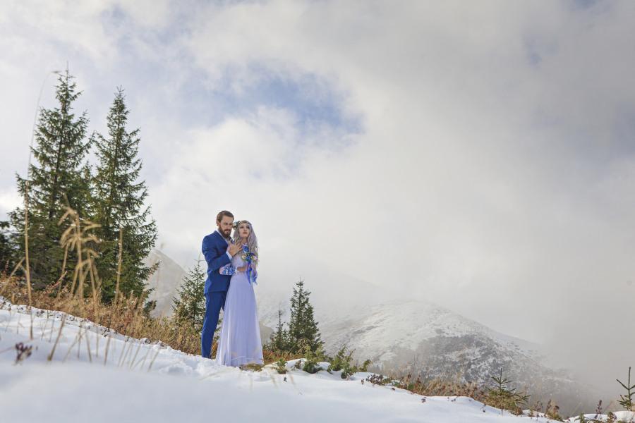 Svatba v zimě - modrá barva